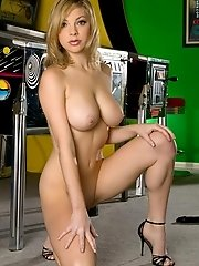 Jessica Kramer in Large Breasts Blonde plays Pinball